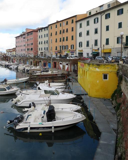 The Scali delle Cantine seen from Piazza Garibaldi, Livorno