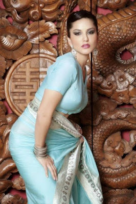 Sunny Leones Extreme Sexiest 3 Collections In Saree even
