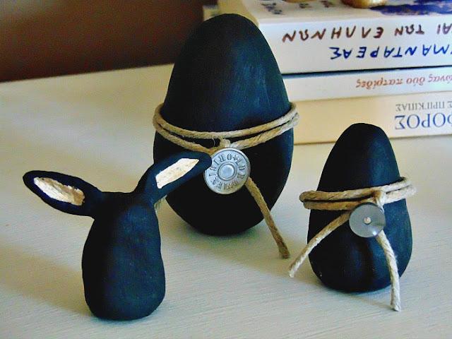 Black-easter-eggs