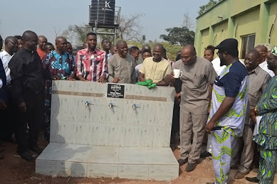 https://umahiprince.blogspot.com/2018/01/funai-vc-commissions-water-project.html