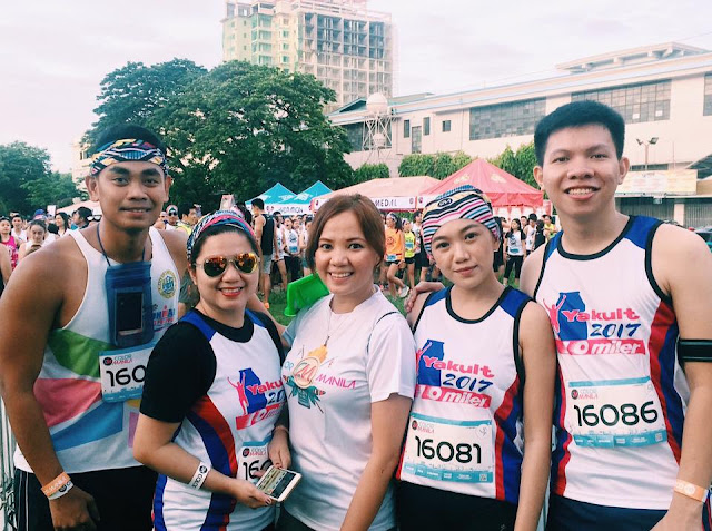 CBS Bloggers with organizer (center) Ms. MJ Cordova before our run. Photo by Lyssa Amor.