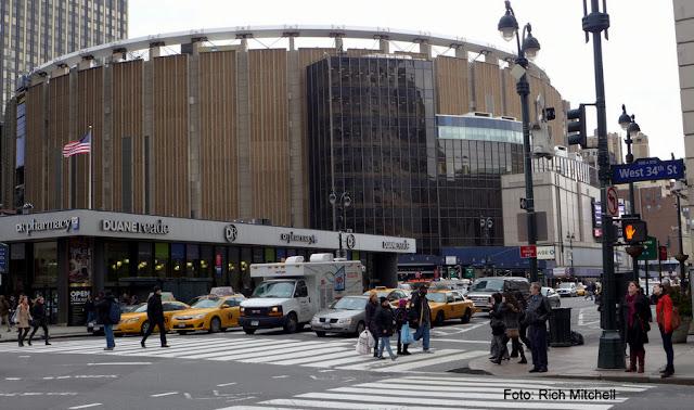 Madison Square Garden, Nova York, palco do show de John Lennon com Elton John em 1974