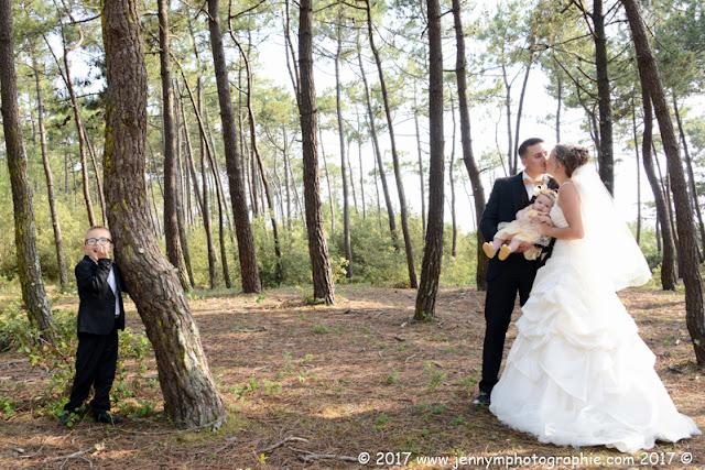 portraits mariés dans la forêt famille avec enfants