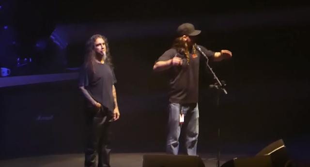 Slayer detiene su concierto inaugural de su gira de despedida