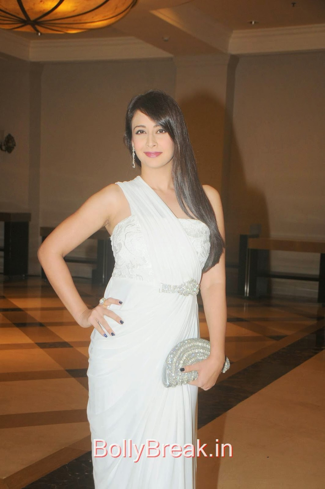 Preeti Jhangiani Photo Gallery, Preeti Jhangiani Hot Pics in white dress from Kaash Tum Hote Trailer Launch