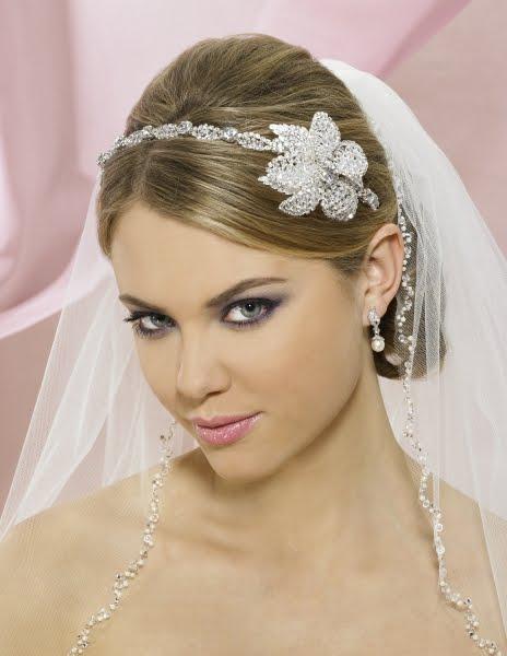 wedding tiaras and veils