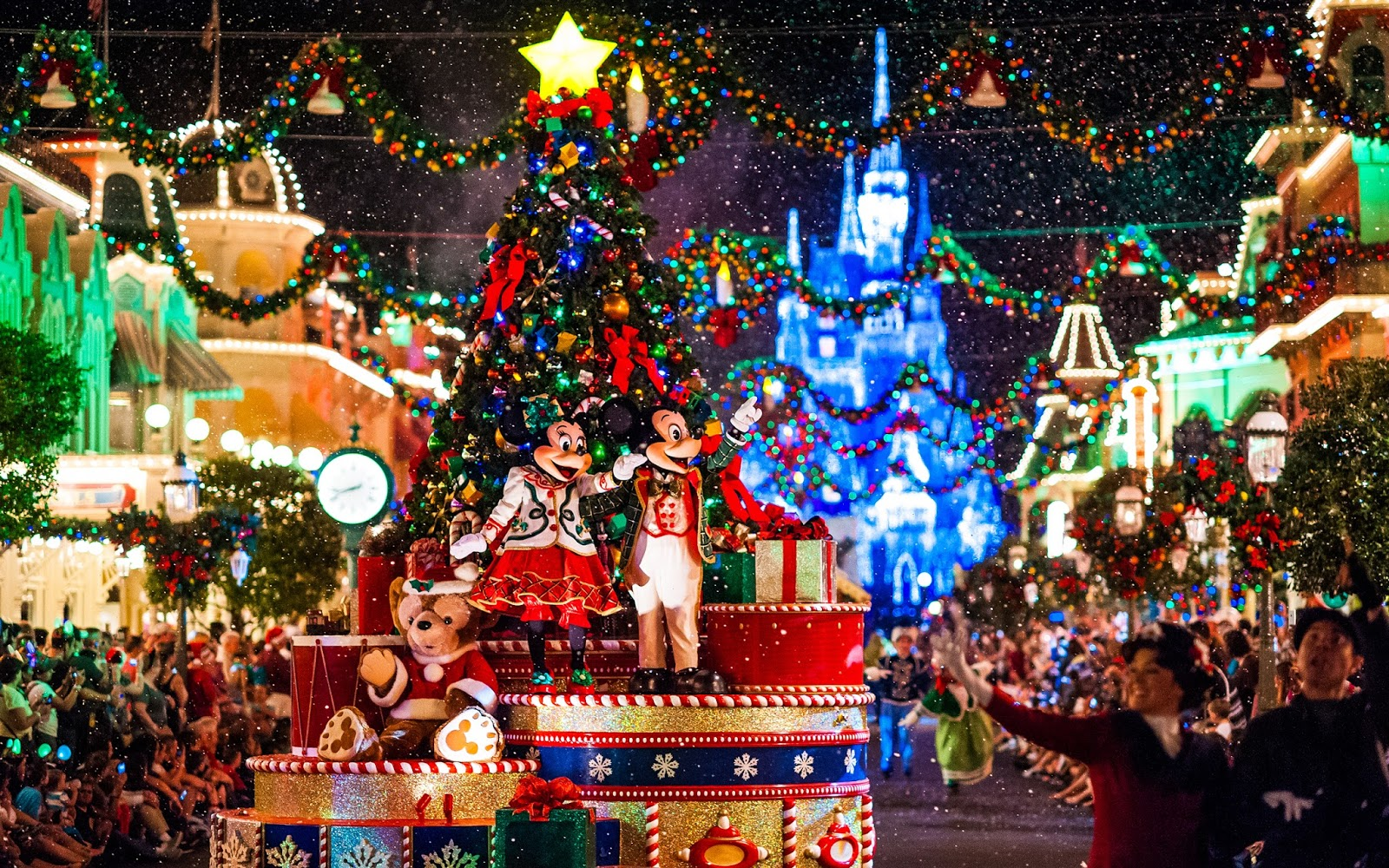 deluxe transportation to disneyland at christmas time - Disneyland Christmas Time
