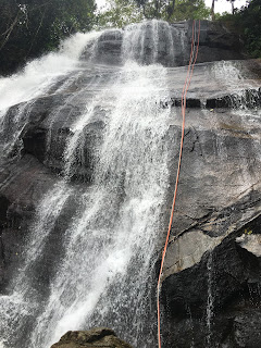 Rapel e belas cachoeiras atraem aventureiros a Bonito/PE