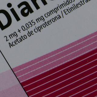 Pílulas com acetato de ciproterona
