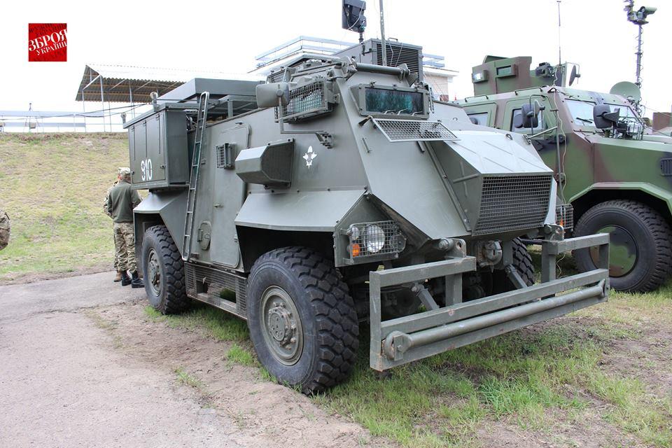 Saxon AT105