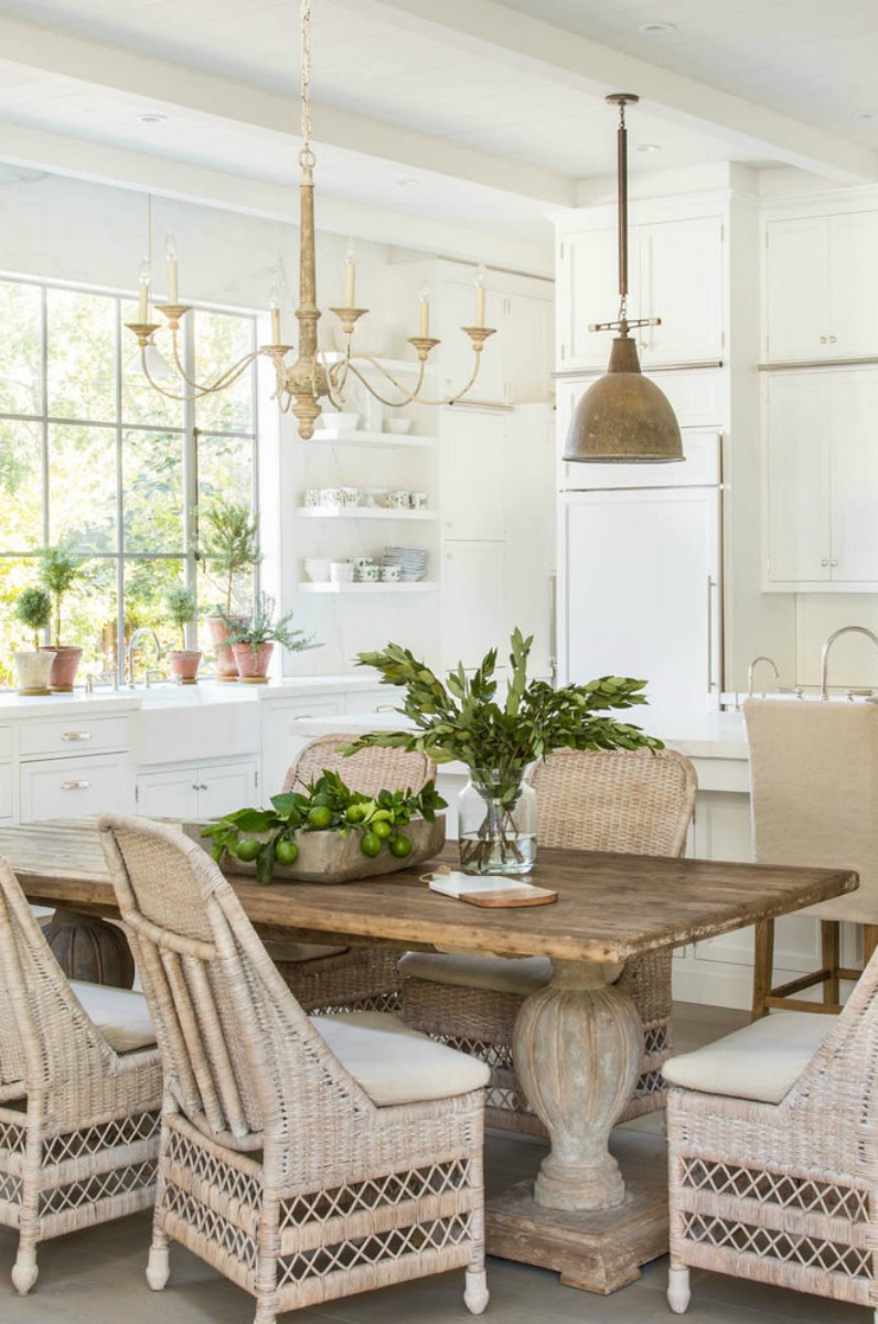 Inspiring warm and rustic neutral modern farmhouse kitchen by Giannetti Home - found on Hello Lovely Studio. #modernfarmhouse #farmhousekitchen #BrookeGiannetti