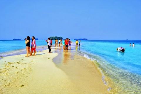 Paket Wisata Pulau Harapan 2015