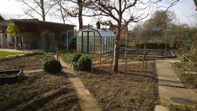 Gemüsegarten im April (c) by Joachim Wenk