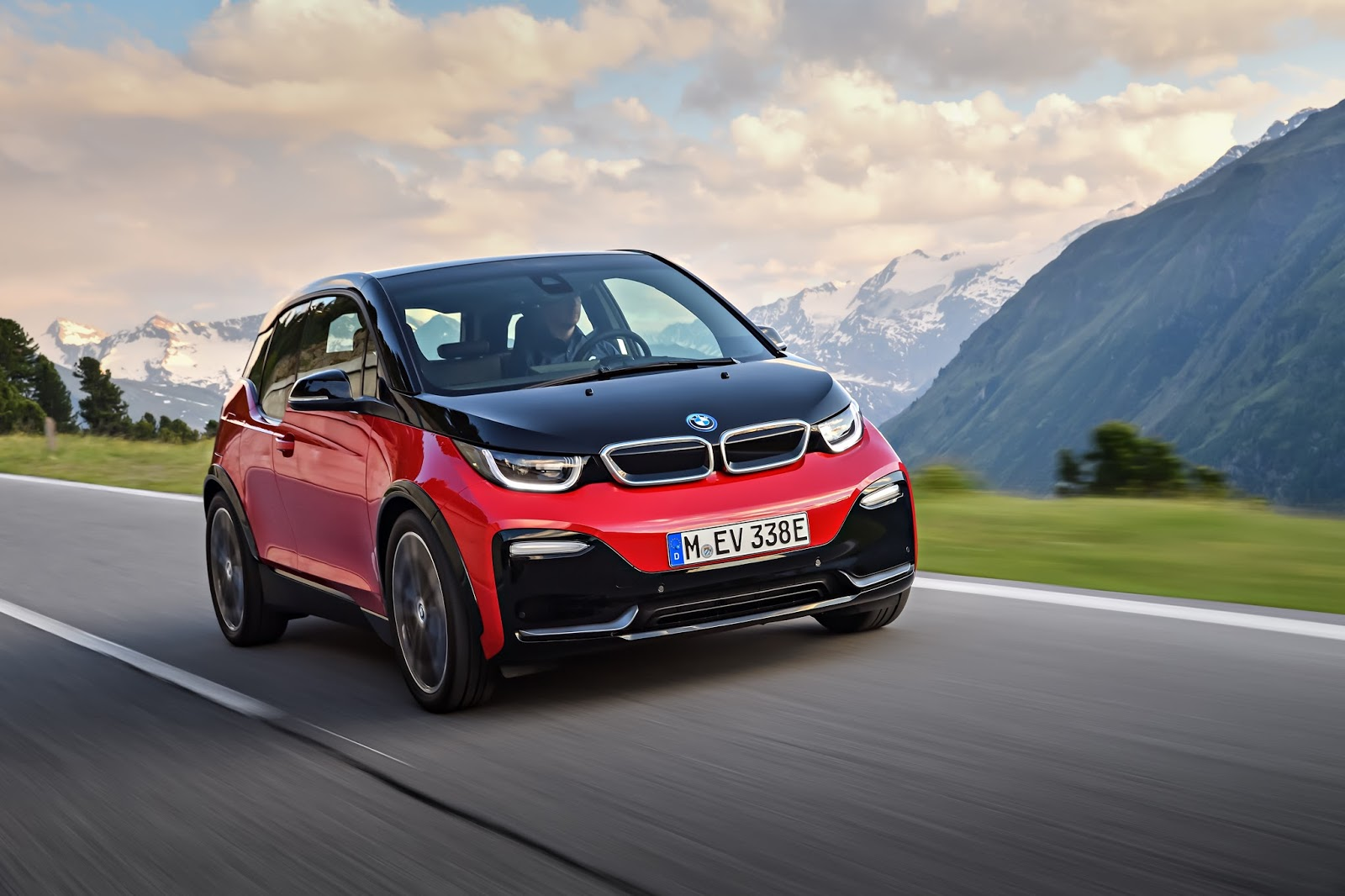 The BMW I3 Leads Way To A New Era Of Mobility It Is Recognized Worldwide As Symbol Technology Sustainability And Intelligent Connectivity In