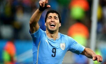 Luis Suarez helps Uruguay Defeat England 2 – 1
