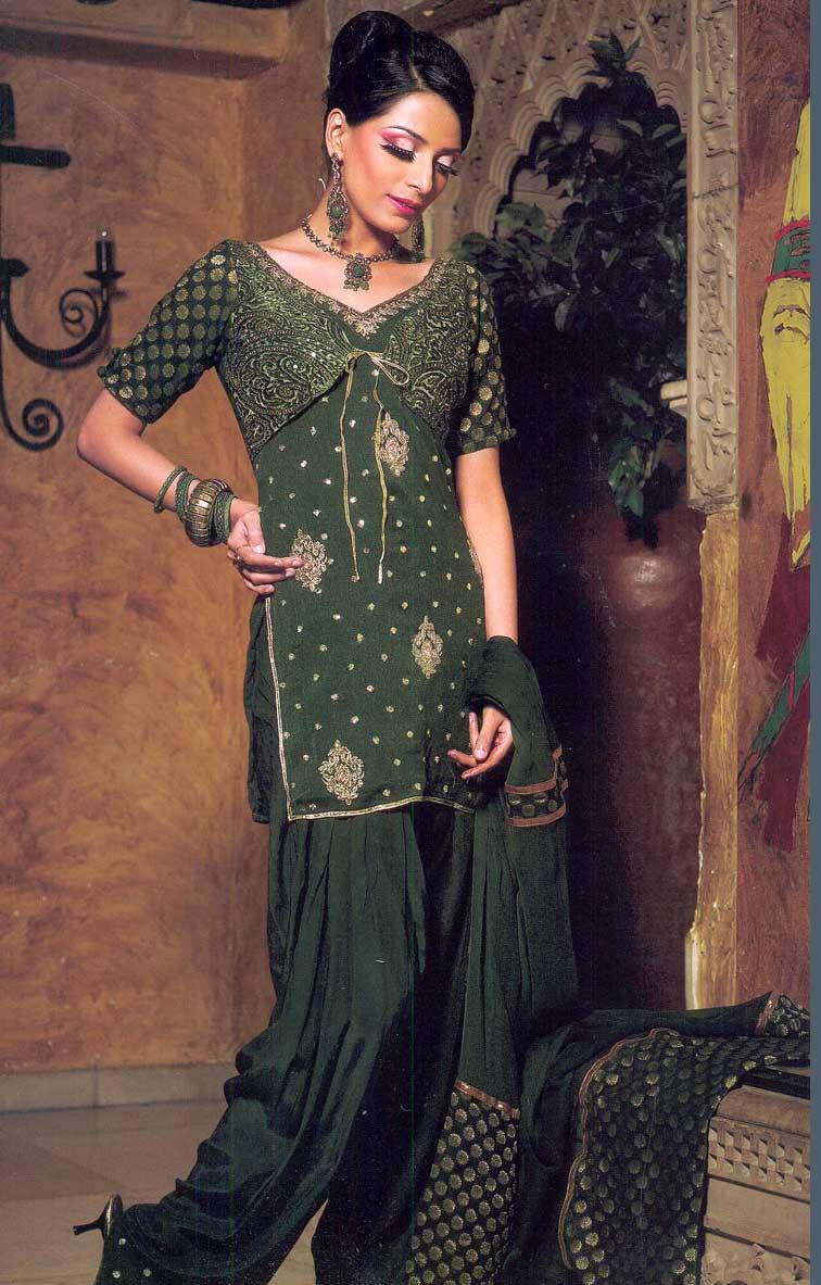 Amazing Photos Of World: Latest Desigens Of Punjabi Suits