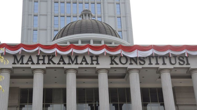 MK Tolak Gugatan Rocky Gerung Cs Soal Ambang Batas Presiden