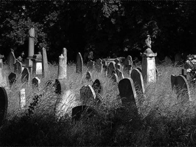 Beginilah Rasanya Berada di Alam Kubur [Hari Pertama Sampai 30 Tahun]