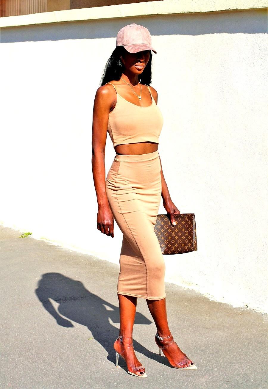 ensemble-jupe-moulante-midi-crop-top-kim-kardashian-style
