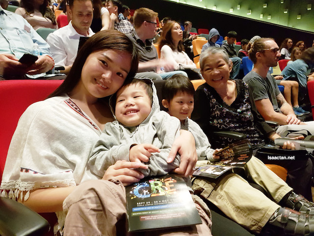 All cozy and prepared to enjoy Cré Arts Asia Performance @ Kuala Lumpur Performing Arts Centre (KLPAC)