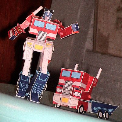Transforming G1 Optimus Prime Papercraft