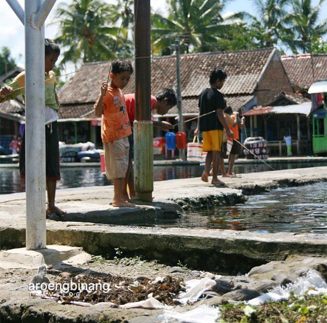 memancing ikan pemandian cikoromoy pandeglang banten