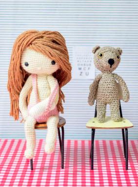 Crochet pattern amigurumi doll girl with broken arm and teddy bear