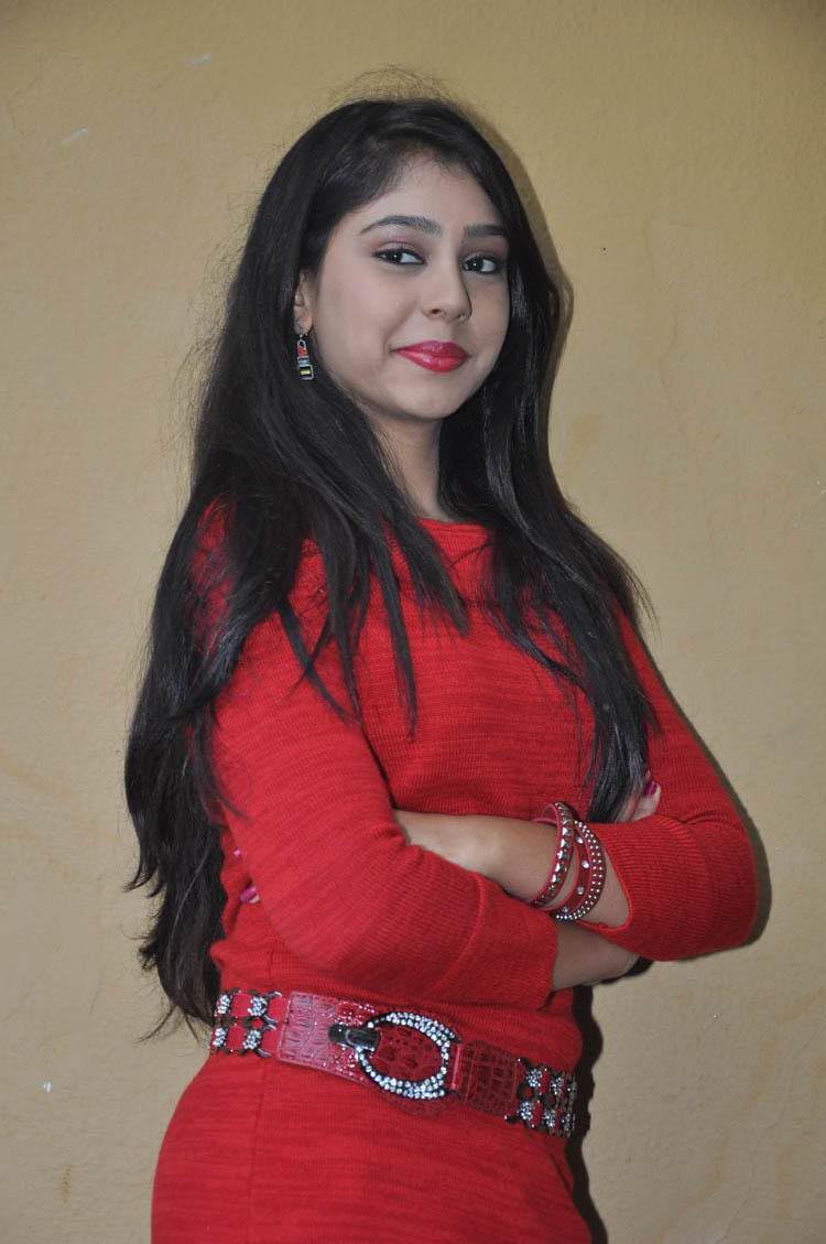 Loan Bad Credit >> Niti Taylor Cute Photossaree pictures, kajal photos photos ...