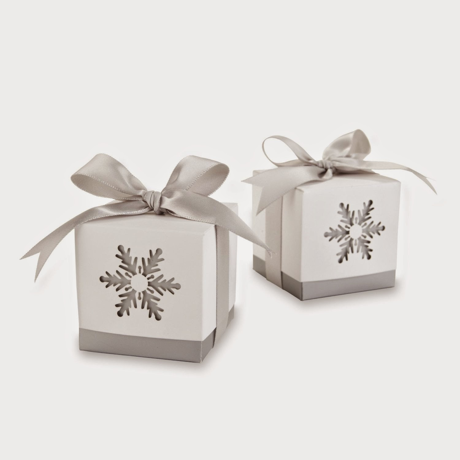 15 Cool Snowflake Wedding Favors | A Bride On A Budget