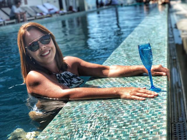 Hilton Barra - Hospedagem 5 estrelas - Piscina
