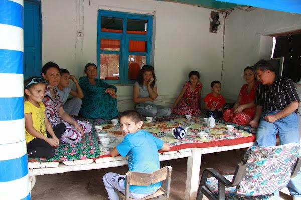 Tadjikistan, Haut-Badakhshan, Yazgand, chaïkhana Lakaye, tapshan, tapchane, © L. Gigout, 2012
