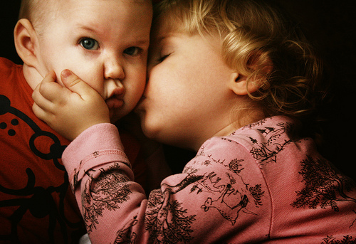 Beutifull cute hd wallpapers baby kiss desktop dounlod full hd hd wallpaper baby kids kiss hdwallpaper kiss kids baby kids hd photos hd altavistaventures Images
