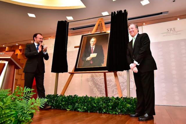 Retratos de Meade cuestan al erario cerca de 600 mil pesos