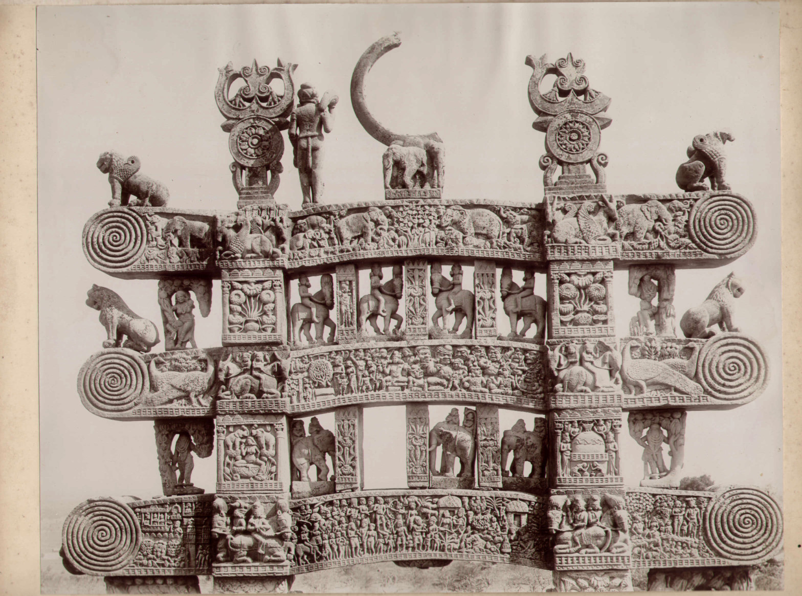 Carved Gateway of Sanchi Stupa, Madhya Pradesh - c1910