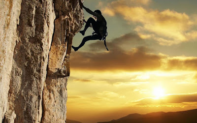 Wallpaper Pendaki Gunung yang Super keren