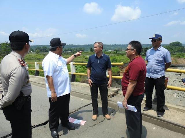 Gubernur Tinjau Jembatan Cipamingkis Bogor 235