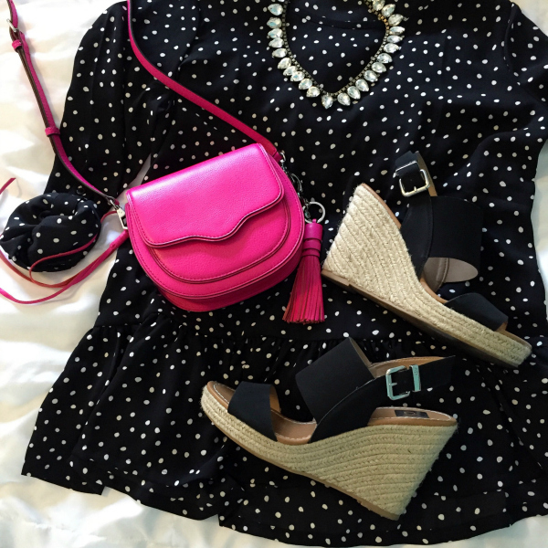 pink purse, black wedges