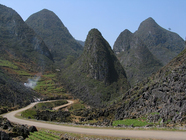 Ma Pi Leng Pass – Unique Place to ride motorbike in Vietnam