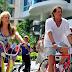 Carlos Vives e Shakira visitam suas cidades natais no clipe 'La Bicicleta'