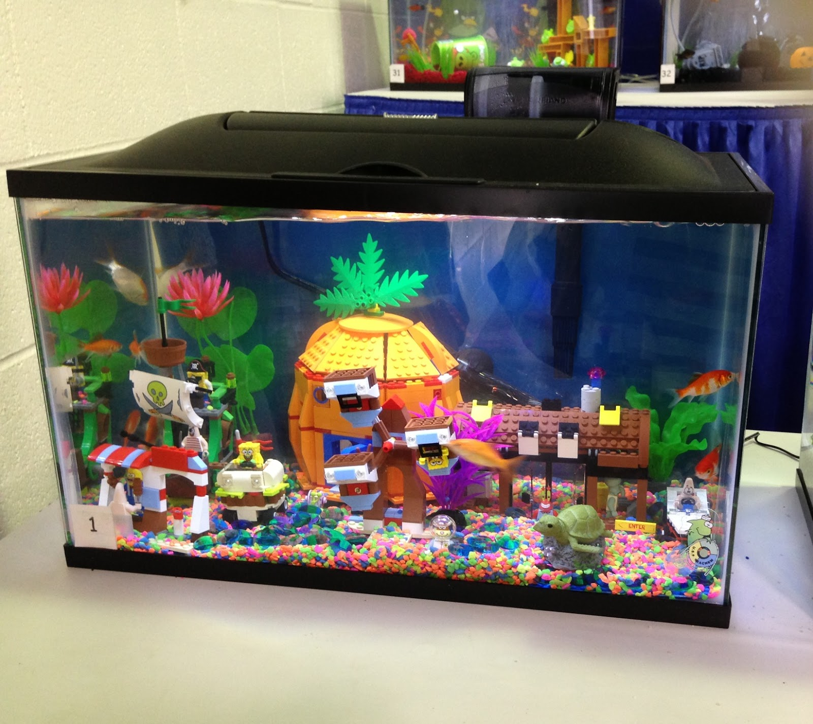 Fish tank decorations spongebob recap america s family for Aquarium decoration for sale