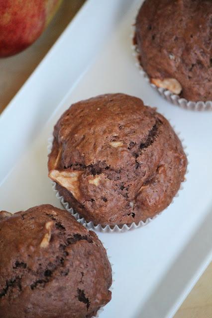 muffinki, kakao, owoce, babeczki