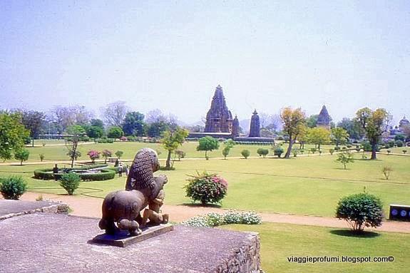 Kajuraho, la piana dei templi