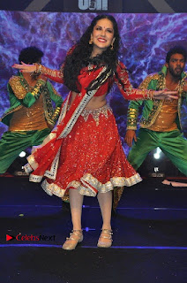 Bollywood Actress Model Sunny Leone Dance Performance in Red Half Saree at Rogue Audio Launch 13 March 2017  0186.jpg