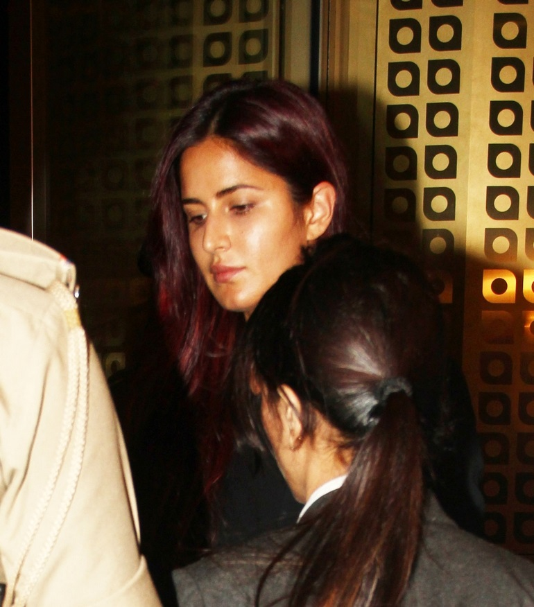 Katrina Kaif Hot Without Makeup Oily Face Close Up In Black Shirt Jeans