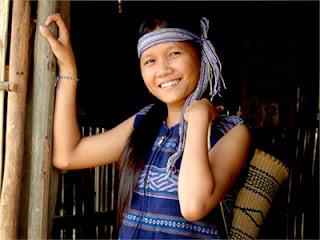 Tình về em gái Giẽ-Triêng- Phố núi và bạn bè