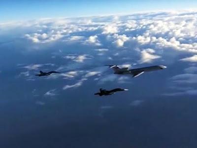 Pesawat Tempur AS-Rusia Hampir Bertabrakan