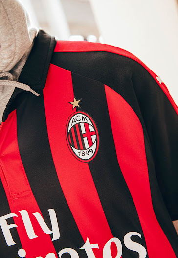 competitive price 985d9 49d98 Revealed: Puma's Authentic AC Milan 18-19 Home Kit Features ...