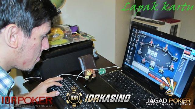 poker android yang menggunakan uang asli