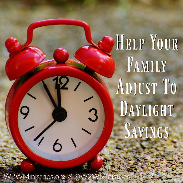 How to help your family adjust to Daylight Savings. #family #kids #motherhood #parenting #parenthood #daylightsavings #timechange
