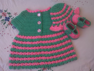 http://crochetcrosiahome.blogspot.com/search/label/Crochet%20Baby%20Dress